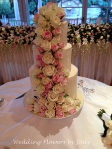 View our Wedding Cake Flowers Gallery